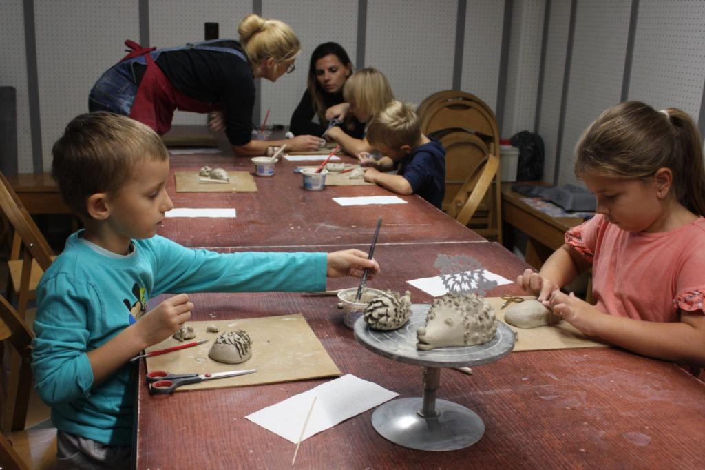 Zajęcia z ceramiki   artystycznej dla dzieci