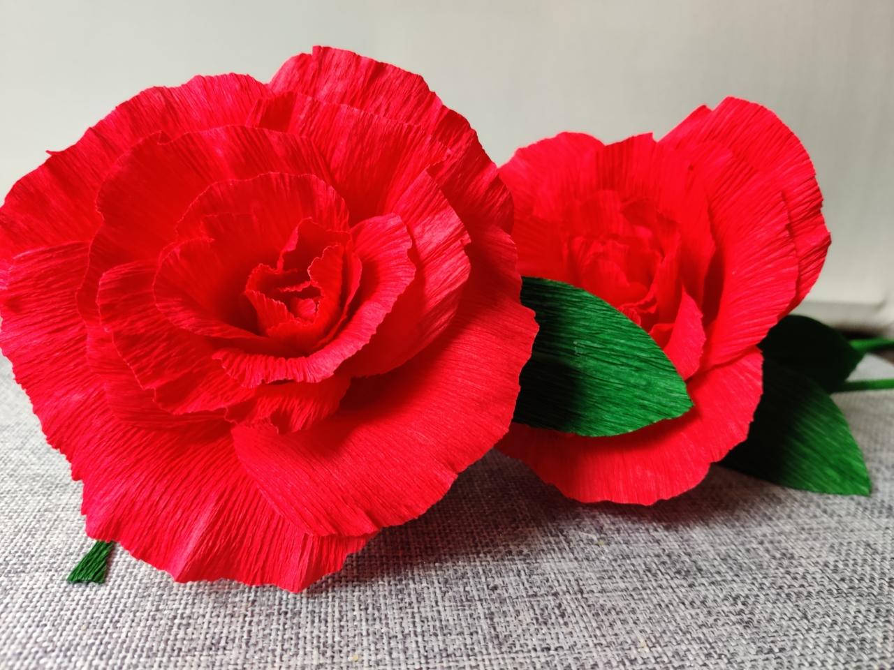 Upominek dla mamy: Kwiat z krepiny (warsztaty on-line).