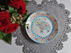 Upominek dla mamy: Porcelana malowana kropkami na Dzień Mamy