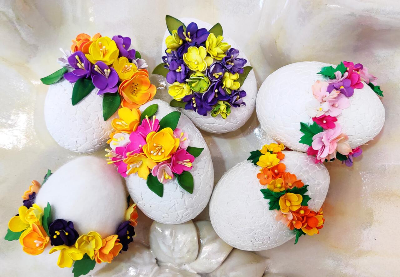 Świąteczne Inspiracje GOK: Wielkanocne jaja w różnych technikach.